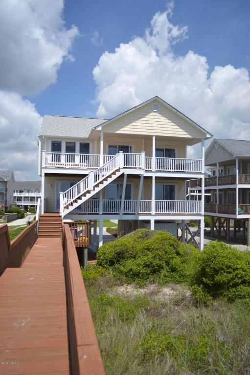 824 N Topsail Drive, Surf City, NC 28445 (MLS #100117327) :: RE/MAX Essential