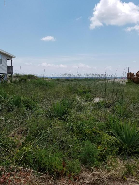 105 E Beach Drive, Oak Island, NC 28465 (MLS #100123916) :: Courtney Carter Homes