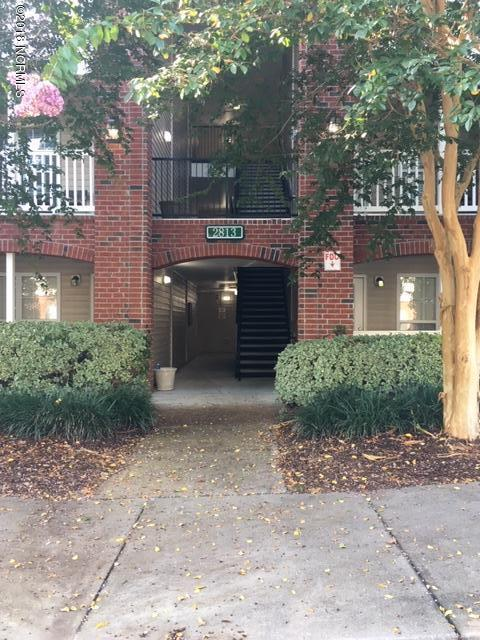 2813 Bloomfield Lane #204, Wilmington, NC 28412 (MLS #100136076) :: Vance Young and Associates