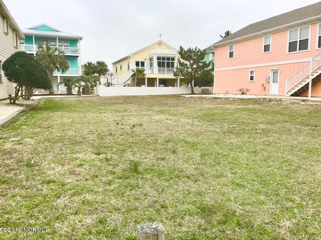 725 Fort Fisher Boulevard N, Kure Beach, NC 28449 (MLS #100151757) :: The Keith Beatty Team