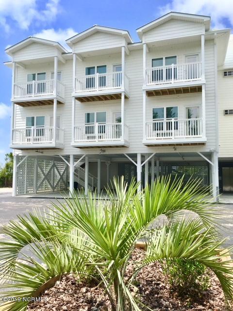 704 E Moore Street #101, Southport, NC 28461 (MLS #100173889) :: Coldwell Banker Sea Coast Advantage