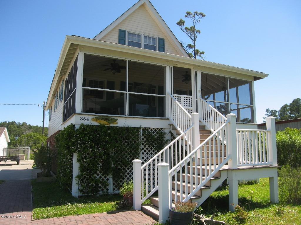 364 Straits Road, Beaufort, NC 28516 (MLS #11502972) :: Century 21 Sweyer & Associates