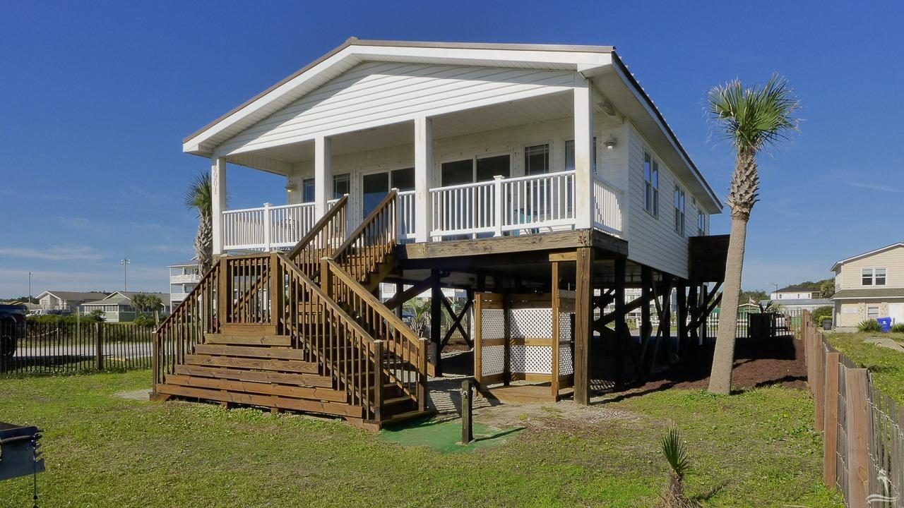 4901 E Beach Drive, Oak Island, NC 28465 (MLS #20698011) :: Century 21 Sweyer & Associates
