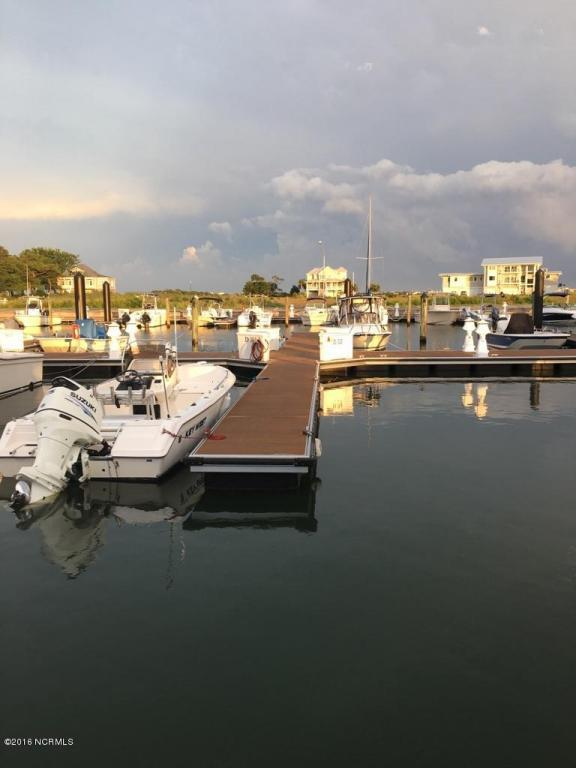 32 Harbor Marina Dr D Drive D, Hampstead, NC 28443 (MLS #30507783) :: Century 21 Sweyer & Associates
