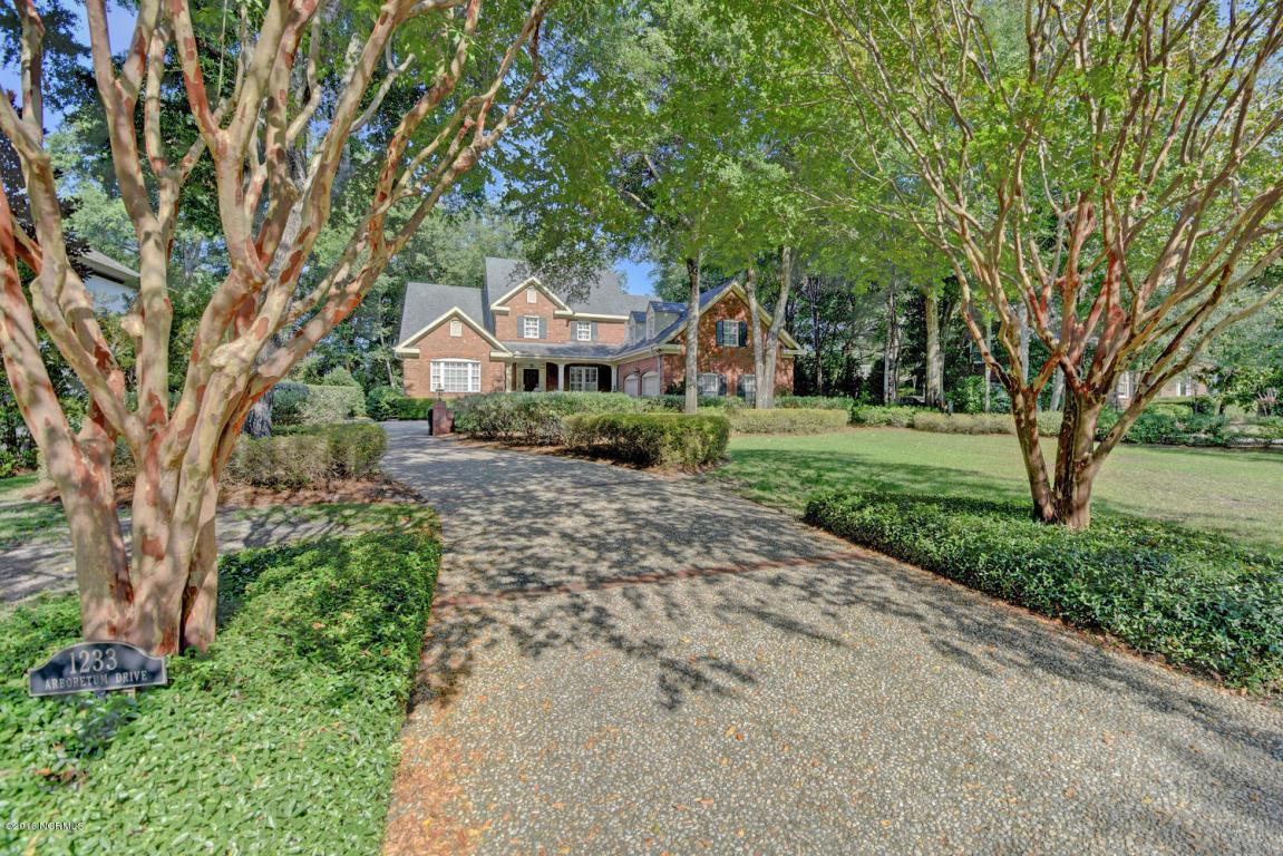 1233 Arboretum Drive, Wilmington, NC 28405 (MLS #30519402) :: Century 21 Sweyer & Associates