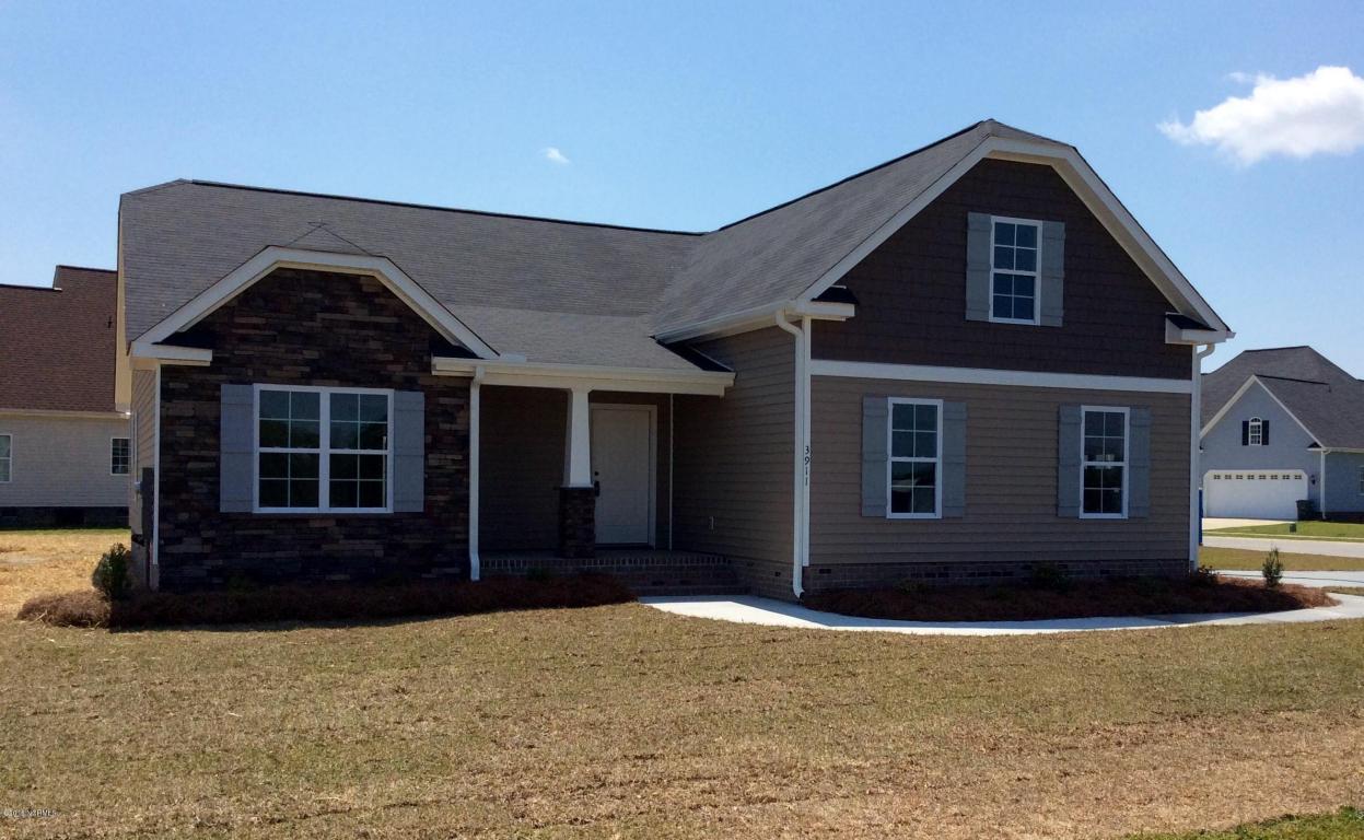 3911 George Drive, Ayden, NC 28513 (MLS #50123256) :: Century 21 Sweyer & Associates