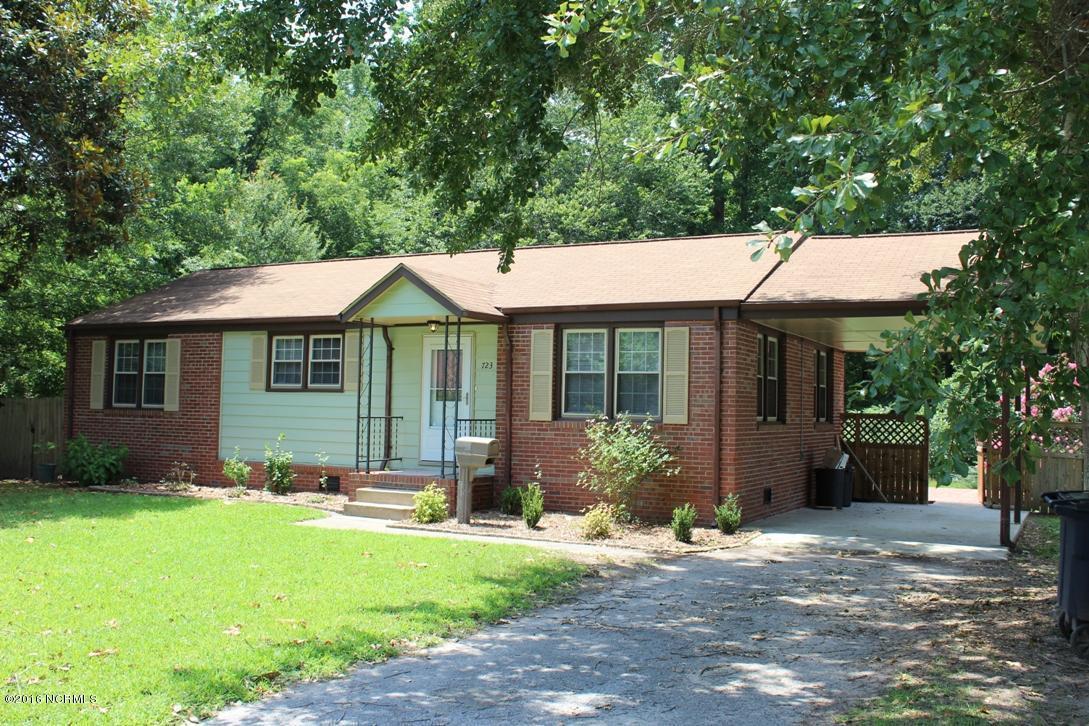 723 Vernon Drive, Jacksonville, NC 28540 (MLS #80174445) :: Century 21 Sweyer & Associates