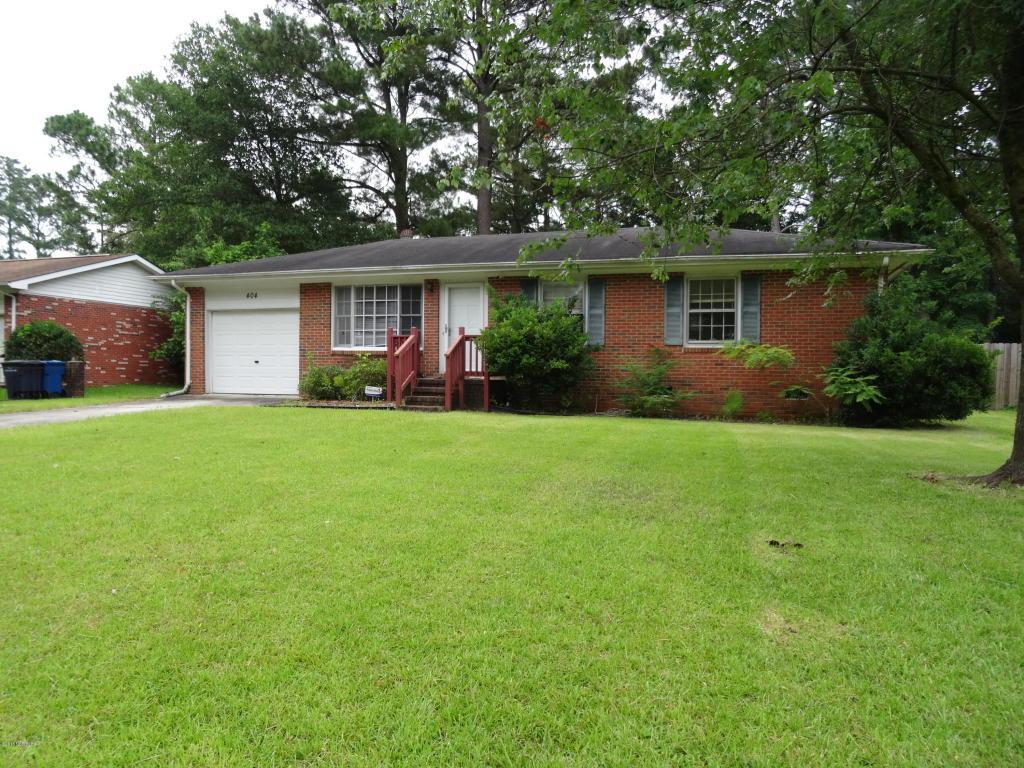 404 Linwood Drive, Jacksonville, NC 28546 (MLS #80175345) :: Century 21 Sweyer & Associates