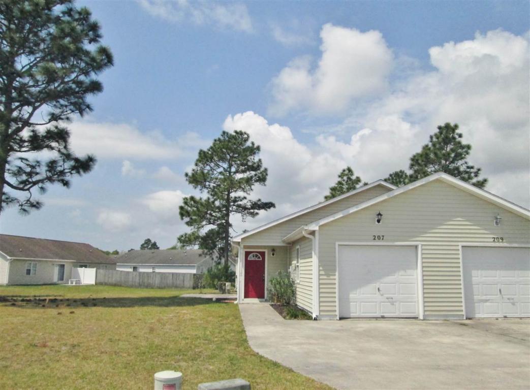 207 Faison Lane, Hubert, NC 28539 (MLS #80175868) :: Century 21 Sweyer & Associates