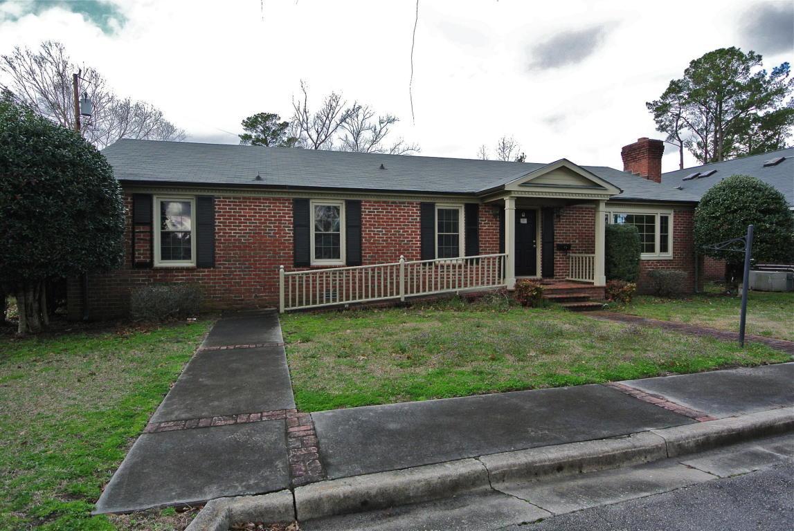 2409 Grace Avenue, New Bern, NC 28560 (MLS #90090465) :: Century 21 Sweyer & Associates