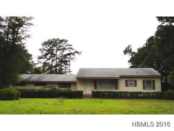 205 Crest Drive, Havelock, NC 28532 (MLS #90104237) :: Century 21 Sweyer & Associates
