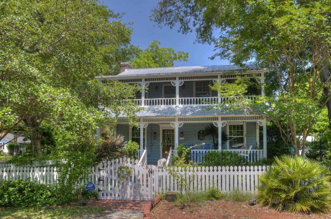 301 E West Street, Southport, NC 28461 (MLS #100011100) :: Century 21 Sweyer & Associates