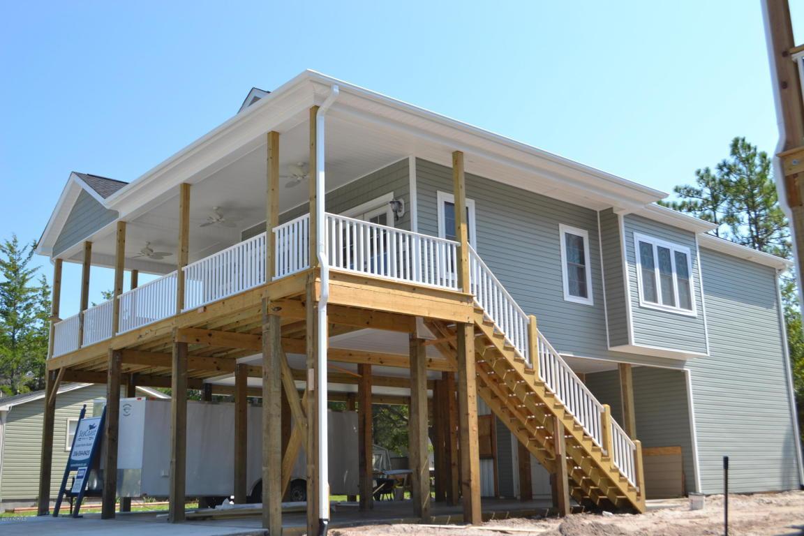 105 W Yacht Drive, Oak Island, NC 28465 (MLS #100016194) :: Century 21 Sweyer & Associates