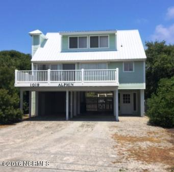 1019 S Shore Drive, Surf City, NC 28445 (MLS #100018240) :: Century 21 Sweyer & Associates