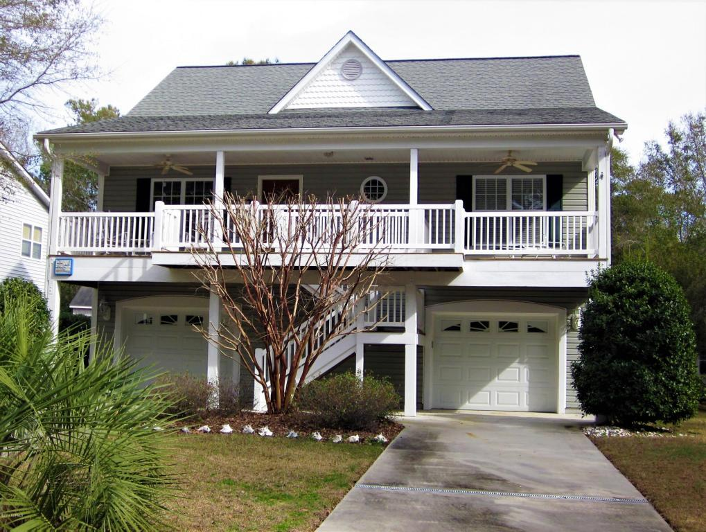 106 SE 13th Street, Oak Island, NC 28465 (MLS #100023511) :: Century 21 Sweyer & Associates