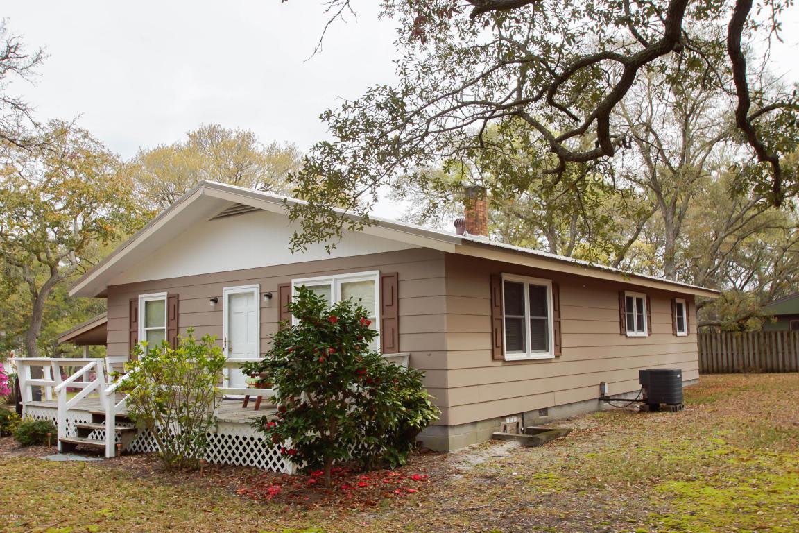 224 Sellers Street, Oak Island, NC 28465 (MLS #100023819) :: Century 21 Sweyer & Associates