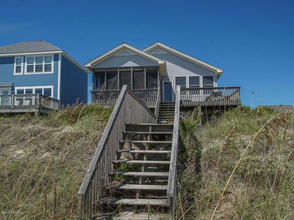 1615 E Beach Drive, Oak Island, NC 28465 (MLS #100026402) :: Century 21 Sweyer & Associates