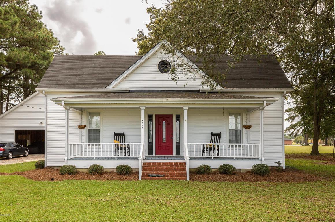 316 N Church Street, Newton Grove, NC 28366 (MLS #100031545) :: Century 21 Sweyer & Associates