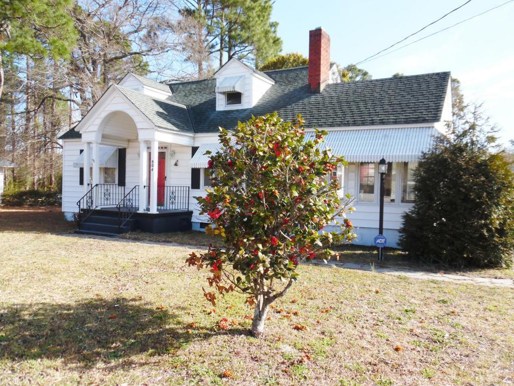 804 Chatham Street, Newport, NC 28570 (MLS #100031621) :: Century 21 Sweyer & Associates
