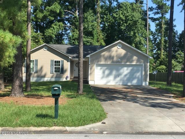91 University Drive, Jacksonville, NC 28546 (MLS #100106279) :: Courtney Carter Homes