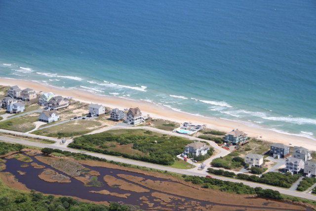 Tbd Hampton Colony Circle, North Topsail Beach, NC 28460 (MLS #40206370) :: Century 21 Sweyer & Associates