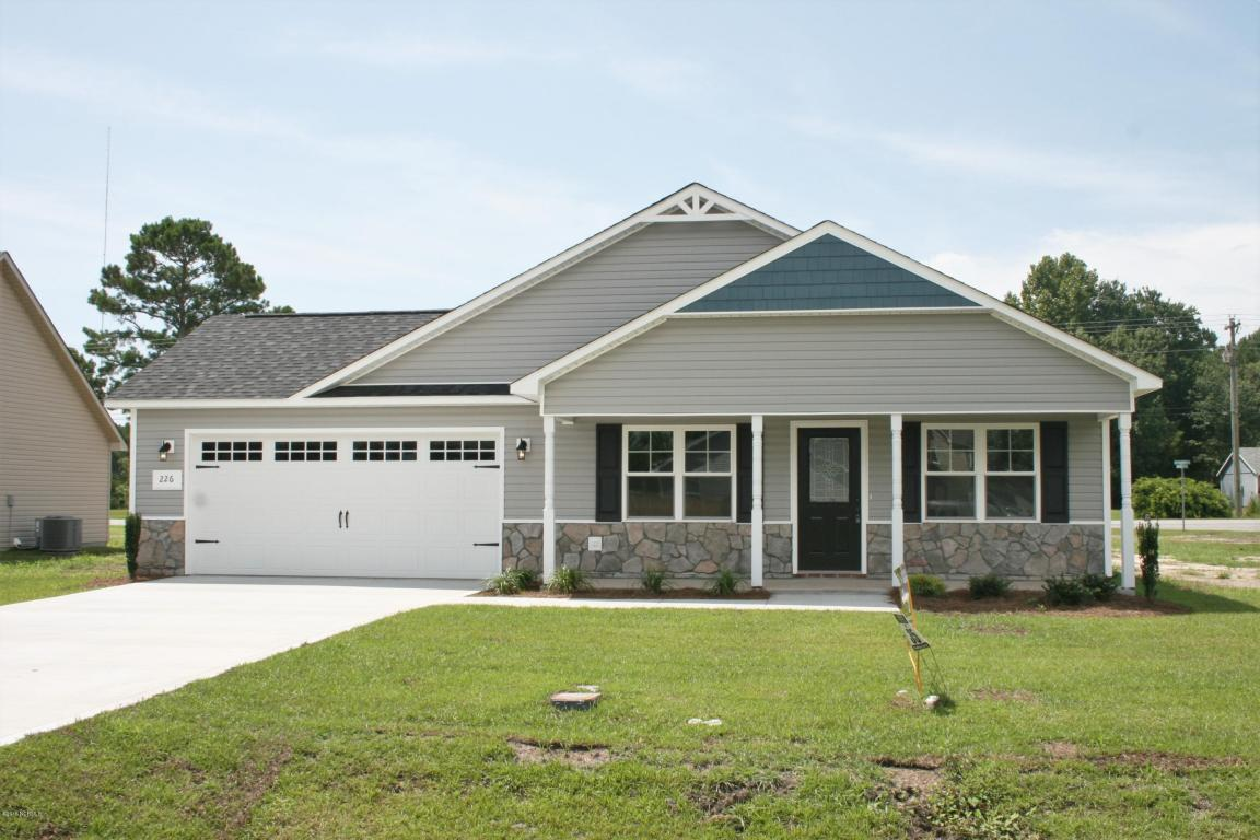 226 Breakwater Drive, Sneads Ferry, NC 28460 (MLS #80177377) :: Century 21 Sweyer & Associates