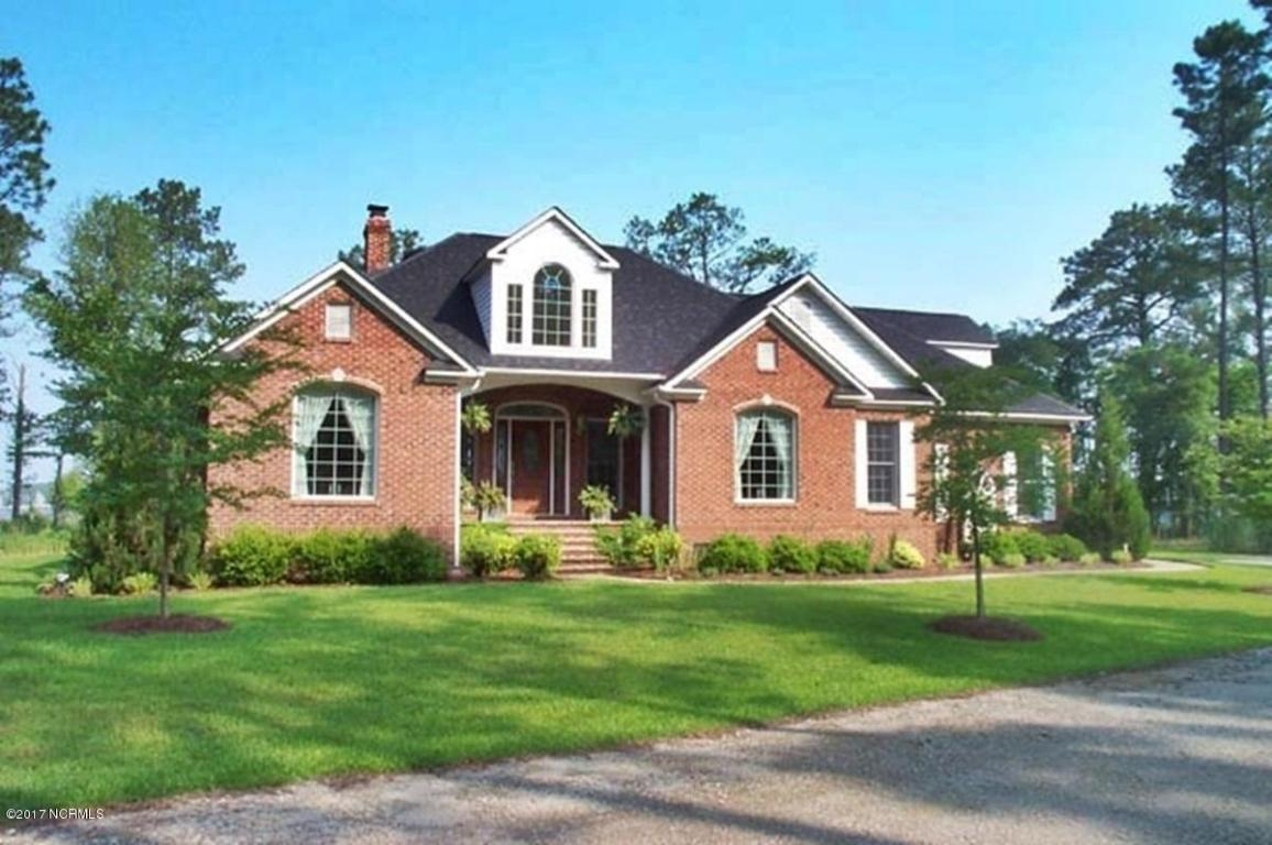 64 Sandy Curve Drive, New Bern, NC 28560 (MLS #90095254) :: Century 21 Sweyer & Associates