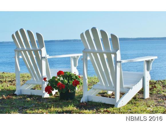 23 Indian Bluff Drive, Minnesott Beach, NC 28510 (MLS #90102322) :: Century 21 Sweyer & Associates