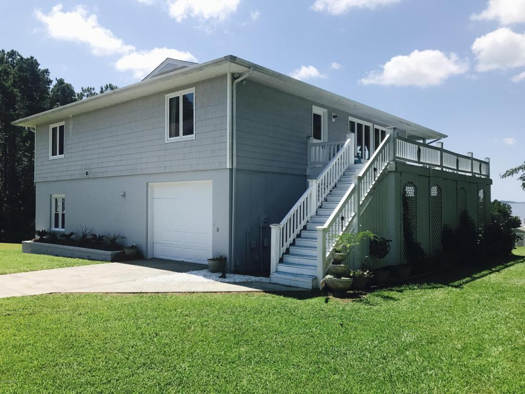414 Shoreside Drive, Peletier, NC 28584 (MLS #11503737) :: Century 21 Sweyer & Associates