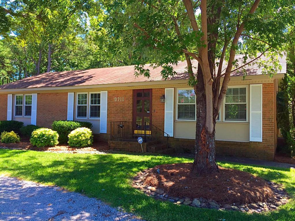 3711 Country Club Road, Morehead City, NC 28557 (MLS #11504752) :: Century 21 Sweyer & Associates