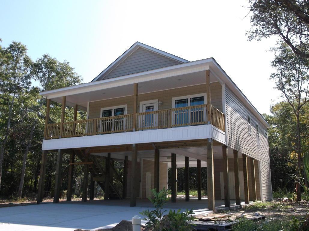 114 NE 2nd Street, Oak Island, NC 28465 (MLS #100005749) :: Century 21 Sweyer & Associates