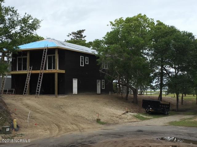 10516 Coast Guard Road, Emerald Isle, NC 28594 (MLS #100110274) :: Century 21 Sweyer & Associates