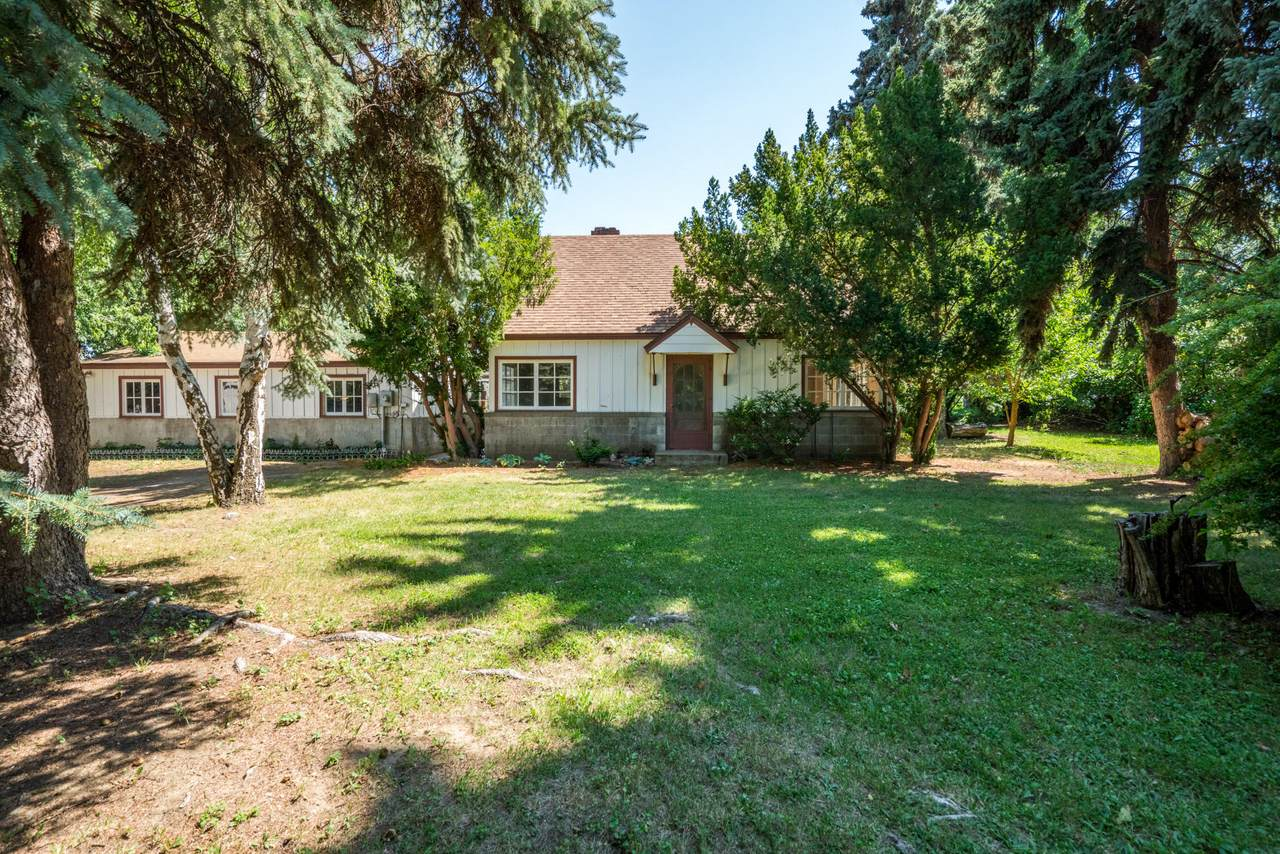 1629 Orchard Ave - Photo 1