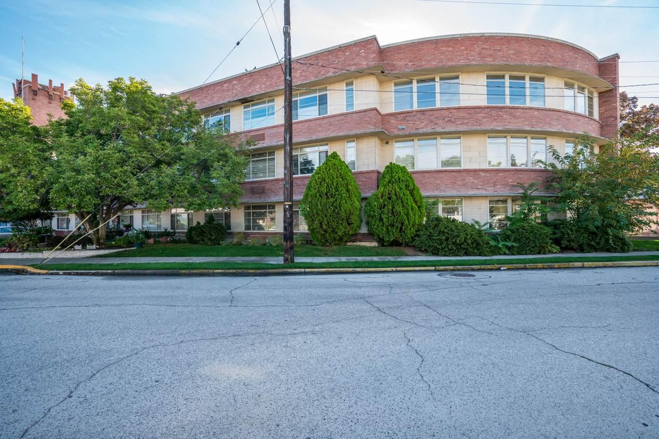 300 Okanogan Ave - Photo 1