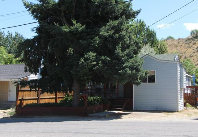 131 Boodry St, Wenatchee, WA 98801 (MLS #713626) :: Nick McLean Real Estate Group