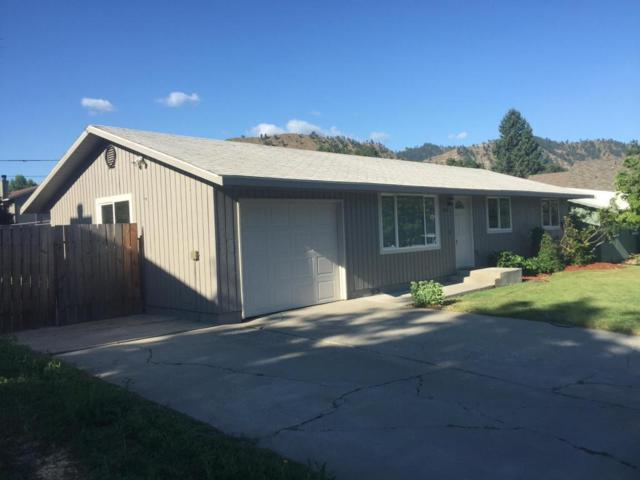 114 Oak St, Cashmere, WA 98815 (MLS #713647) :: Nick McLean Real Estate Group
