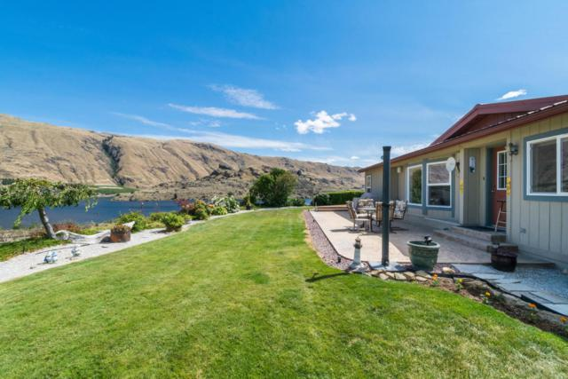 8009 Tilly Ln, Wenatchee, WA 98801 (MLS #713682) :: Nick McLean Real Estate Group