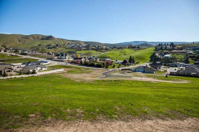 872 Autumn Crest Dr, Wenatchee, WA 98801 (MLS #713910) :: Nick McLean Real Estate Group