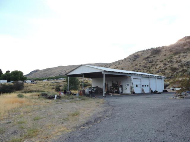 14554 Olin St, Entiat, WA 98822 (MLS #714158) :: Nick McLean Real Estate Group