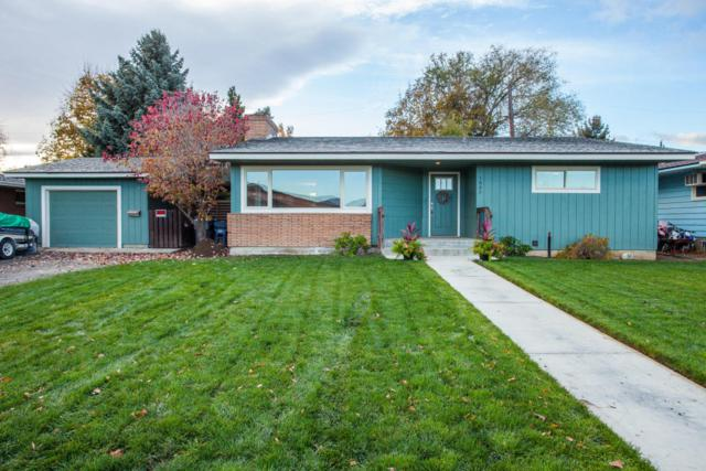 1027 Orchard Ave, Wenatchee, WA 98801 (MLS #714574) :: Nick McLean Real Estate Group