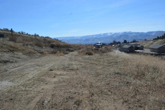 3785 Buck Haven Ln, Wenatchee, WA 98801 (MLS #715224) :: Nick McLean Real Estate Group