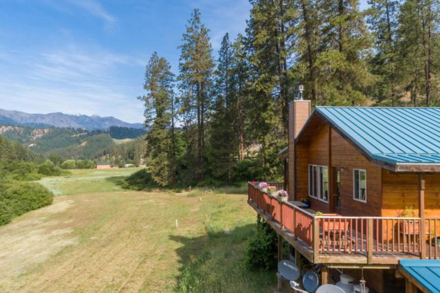 10261 Eagle Creek Rd, Leavenworth, WA 98826 (MLS #716255) :: Nick McLean Real Estate Group