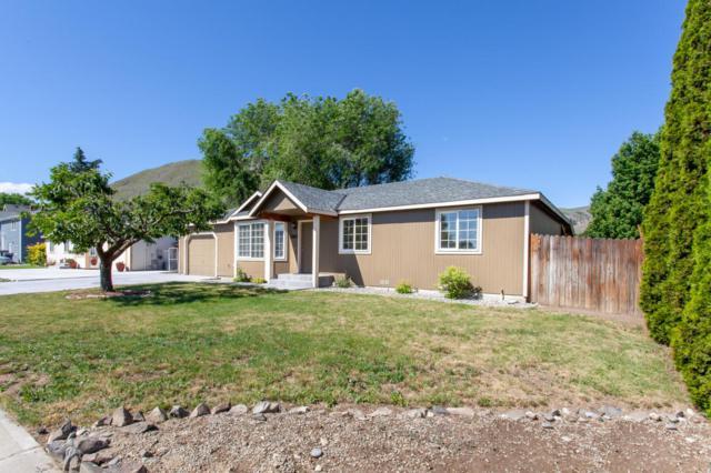 1760 Methow, Wenatchee, WA 98801 (MLS #716508) :: Nick McLean Real Estate Group