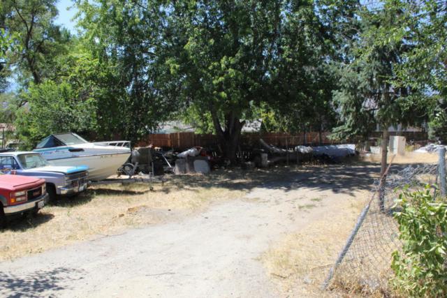 606 N Gale Pl, East Wenatchee, WA 98802 (MLS #716542) :: Nick McLean Real Estate Group