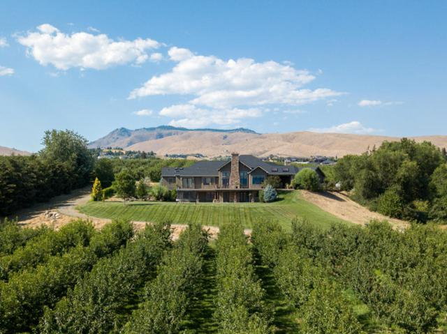 1211 Golden Ln, Wenatchee, WA 98801 (MLS #716546) :: Nick McLean Real Estate Group