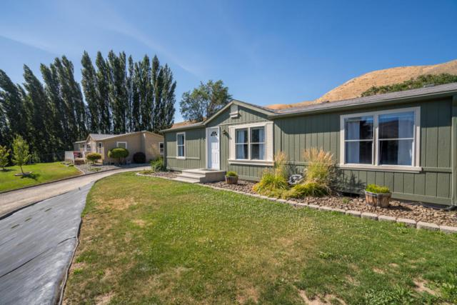 1698 Sunset Dr, Wenatchee, WA 98801 (MLS #716553) :: Nick McLean Real Estate Group