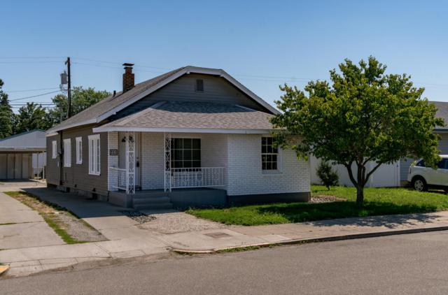 211 Fuller St, Wenatchee, WA 98801 (MLS #716554) :: Nick McLean Real Estate Group