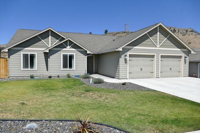 1041 Sunny Brooke Ln, Chelan, WA 98816 (MLS #716567) :: Nick McLean Real Estate Group