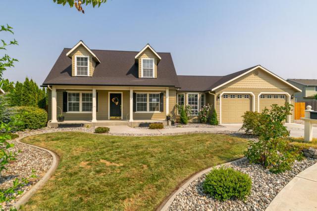 1515 Willow Pl, Wenatchee, WA 98801 (MLS #716748) :: Nick McLean Real Estate Group
