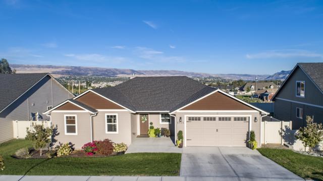 1725 Skylar Ct, Wenatchee, WA 98801 (MLS #717175) :: Nick McLean Real Estate Group